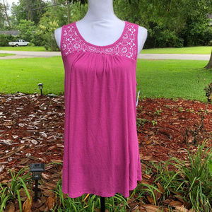 Liz Lange Maternity size M Pink Crochet sleeveless